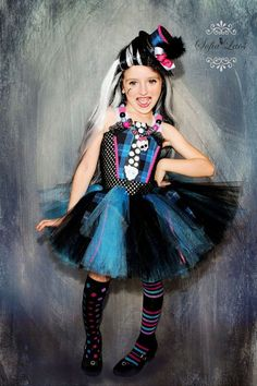 Frankie Stein inspired costume from Monster High blue and black Trajes Monster High, Monster High Tutu, Monster High Halloween, Festa Monster High, Monster High Birthday, Monster High Party, Halloween Kids, Costume Halloween, Fancy Dress