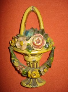 Cast-iron-flower-basket-door-knocker