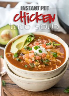 This Instant Pot Chicken Taco Soup recipe is seriously so easy to make! My kids devoured this! This warm and hearty Chicken Taco Soup is insanely easy to make and is a family favorite! Chicken Taco Soup, Chicken Tacos, Chicken Spaghetti, Mexican Chicken, Cheesy Chicken, Chicken Rice, Instant Pot Pressure Cooker, Pressure Cooker Recipes, Slow Cooker