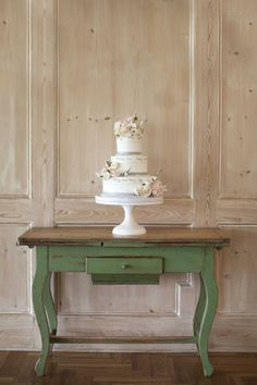 #cake #weddingcake #wedding #birthdaycake #trgovinapd #trgovinapopolnadekoracija #cakeswithflowers