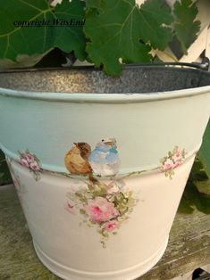 Flower Bucket painting on vintage pail with Birds and Roses Swag bluebird chickadee Table Flower Arrangements, Table Flowers, Diy Flowers, Tole Painting, Painting On Wood, Painting Flowers, Pots, Decoupage Vintage, Flower Bouquet Wedding