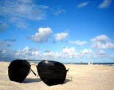 Stylish beach glasses shows you great. We share with you a wonderful, cool, amazing beach glasses in this photo gallery. Beach Wallpaper, Beautiful Disaster, Gap Year, Live Wallpapers, Beach Fun, Study Abroad, Glass Design, Beautiful Beaches, Traveling By Yourself