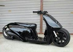 Gloss Stealth Lowrider Scooter for the back of my bus. Triumph Motorcycles, Cool Motorcycles, Maxi Scooter, Scooter Motorcycle, Yamaha Scooter, Scooters Vespa, Motor Scooters, Pro Scooters, Scooter Custom