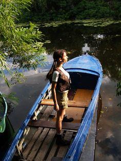 Character: Lara Croft. Version: Young Lara Croft. Videogame: Tomb Rider V. Cosplayer: Tanya Sochivets 'aka' MissLarisaCroft . Photo: Alex Beyket. 2009. Location: Dnieper River & Lakes, Kiev