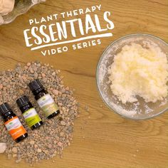 Sometimes when the weather is a little chilly outside, nothing beats a warm, cozy bath! The unique blend of essential oils used in this Bath Salts DIY is perfect for the autumn season with it's warm, spicy, and light citrus scent! Diy Bath Salts With Essential Oils, Essential Oil Blends, Diy Videos, Salt Scrub Recipe, Diy Candles Scented, Diy Body Scrub, Plant Therapy, Diy Spa, Homemade Skin Care