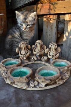 Adventní věnec II. / Zboží prodejce KeraMKa | Fler.cz Ceramic Workshop, Ceramic Light, Hand Built Pottery, My Art Studio, Lantern Candle Holders, Cute Clay, Yard Art, Advent Candles, Ceramic Pottery