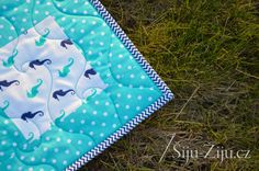 Longarm quilting by Jana Beckova - Waves Picnic Blanket, Outdoor Blanket, Longarm Quilting, Waves, Quilts, Deco, Scrappy Quilts, Quilt Sets, Decor