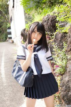 image:平野聡子、自慢の美肌を大胆露出 - お尻と凹凸ボディーで誘惑