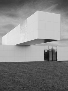 Exposition Pavillon by Stanley Brouwn, Bertus Mulder