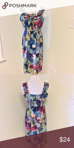 New Directions  | Floral Dress Such a pretty multi-colored floral print on the dress. The dress is lightweight and Flowy, fully lined. Cinched at the waist for added comfort. Raw edged accordion detailing at the bodice. Excellent condition. new directions Dresses