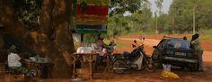 Sur les bords d'une piste burkinabé - vie locale