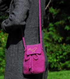 Free Knitting Pattern - Bags, Purses & Totes: A Little Bird Told Me - Felted Bag