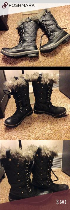 Sorel Tofino 2 In very good used condition! Comfy, warm and stylish! Sorel Shoes Winter & Rain Boots