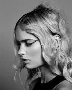 photography by Ester Grass Vergara for Prestage - beauty story - Make up by Liselotte van Saarloos Eyeliner Pen, Graphic Eyeliner, Saarloos, Kiss Makeup, Shiseido, Grass, Make Up, The Unit, Black And White