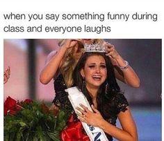 Soccer humor hilarious & fußballstimmung unglaublich witzig & humour de football hilarant & humor del fútbol hilarante & soccer humor girl, soccer humor funny, soccer humor memes, soccer humor so true, soccer humor hilarious Really Funny Memes, Stupid Funny Memes, Funny Relatable Memes, Haha Funny, Funny Stuff, Funny Things, Random Stuff, Funny Memes About Girls, Funny People