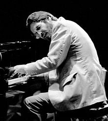 Bill Evans at the Montreux Jazz Festival with his trio consisting of Marc Johnson, bass, and Philly Joe Jones, drums, July Jazz Artists, Jazz Musicians, Music Artists, Famous Musicians, Like Someone In Love, Montreux Jazz Festival, Bill Evans, John Evans, Jazz Guitar
