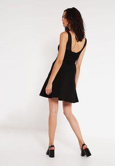Even&Odd Sukienka z dżerseju - black za 83,85 zł (12.01.17) zamów bezpłatnie na Zalando.pl.