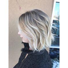Natural rooty icy blonde bob. Natural blonde. Balayage. Icy blonde. Dimensional blonde. Bob. Waves. Short hair. Pretty blonde Fort Collins Hair Salon Salon Ashley Simpson