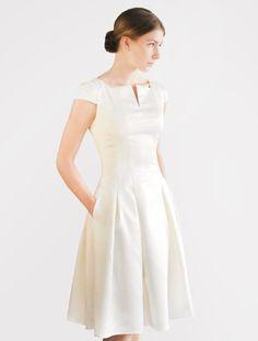 M.A.R.I.E short wedding dress von Femkit Bride's Collection auf DaWanda.com