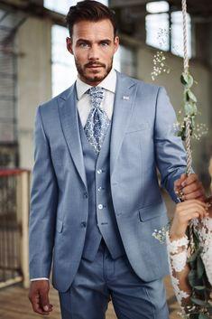 trouwkostuum, trouwpak, Immediate, Immediate Fashion, bruidegom Blue Suit Wedding, Wedding Men, Wedding Suits, Wedding Attire, Wedding Colors, Rustic Groomsmen Attire, Suit Combinations, Inexpensive Wedding Venues, 3 Piece Suits