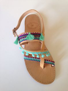 Handmade multicolor leather summer sandals for boho style Handmade multicolor leather summer sandals Related Images: [See image gallery at style. Zapatos Nike Air, Nike Air Shoes, Socks And Sandals, Cute Sandals, Summer Sandals, Diy Crochet Flip Flops, Bohemian Shoes, Decorating Flip Flops, Estilo Country