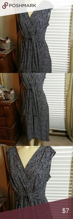 Wrap style dress Very nice in good condition Suzie in the city Dresses Midi