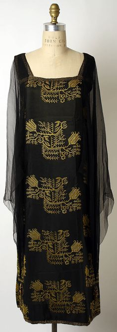 Evening Dress Made Of Silk, By Liberty & Co., England    c.1923-1927   -   The Metropolitan Museum Of Art