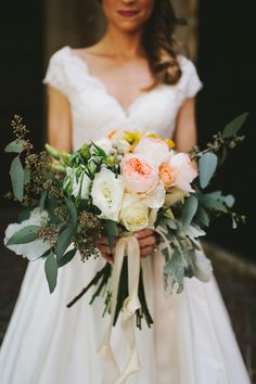 Loose neutral colored #bouquet Photography: W&E Photographie - www.wephotographie.com  Read More: http://www.stylemepretty.com/2014/08/06/rustic-chic-birmingham-wedding/