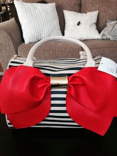 Who doesn't Love a good Bow? :)  Nautical Girly Betty Johnson Bag/Purse. accessorize with me.
