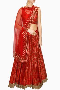 INTRODUCING : Red sequins embellished block printed lehenga set by Astha Narang… Indian Bridal Couture, Indian Bridal Lehenga, Indian Bridal Wear, Indian Wear, Indian Dresses, Indian Outfits, Indian Reception Outfit, Desi Wedding Dresses, Satin Saree