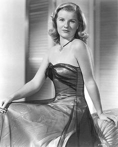 Barbara Bel Geddes was an American stage and screen actress, artist, and children's author whose career spanned six decades. She was best known for her starring role as Miss Ellie Ewing in the television series Dallas. Hollywood Cinema, Old Hollywood Movies, Old Hollywood Glamour, Golden Age Of Hollywood, Hollywood Stars, Hollywood Actresses, Classic Hollywood, Actors & Actresses, Hollywood Icons
