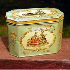 English Biscuit Tin, by Huntley and Palmers