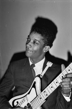 Hubert Sumlin (November 16, 1931 - December 4, 2011) American blues guitarist (o.a. for Howlin' Wolf and Muddy Waters).