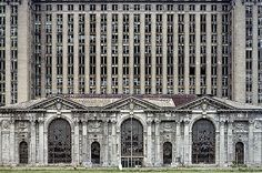 """It is just so sad the way that Detroit has went down.Michigan Central Station, from """"The ruins of Detroit"""" by Yves Marchand & Romain Meffre (Steidl) Abandoned Buildings, Old Buildings, Abandoned Places, Abandoned Train, Abandoned Mansions, Detroit Ruins, Abandoned Detroit, Detroit Slums, Viajes"""
