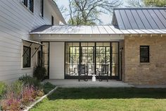 44 modern farmhouse exterior design ideas