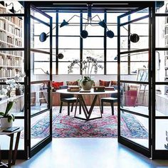 Can't stop staring at this library - amazing lines, contrast & perfect touch of drama...🖤 via @katenixon_busatti photo via @mareehomer.photography Reading Room Decor