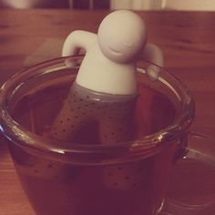 Waiter! I there is someONE in my tea