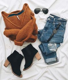 I love everything about this Fall outfit. Lovely Fall Fresh Looking Outfit. 24 Affordable Casual Style Outfits To Inspire Every Woman – I love everything about this Fall outfit. Lovely Fall Fresh Looking Outfit. Mode Outfits, Outfits For Teens, Casual Outfits, Fashion Outfits, Womens Fashion, Fashion Trends, Comfortable Outfits, Cute Sweater Outfits, Fashion Boots