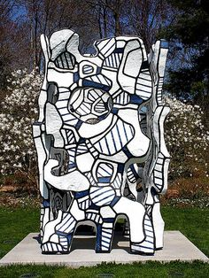 """Kiosque l'évidé"" by Jean Dubuffet at the Donald M. Kendall Sculpture Garden at PepsiCo (Purchase, New York)--April 25, 2009"