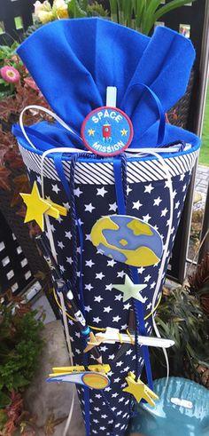 Weltraum+/+Flugzeug+-+Schultüte/+Zuckertüte+von+XBergDesign2+auf+DaWanda.com