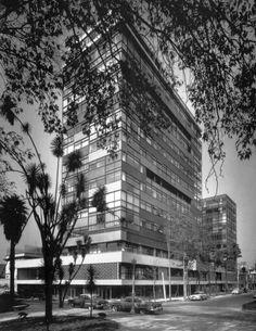 Reforma Condo Building by Mario Pani 1956