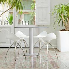 ZERO outdoor table / ONDA 45 stools / STUA / outdoor / FunktionAlley