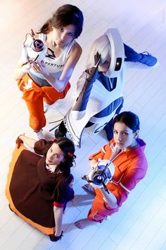 Chell (Portal 2 version), GLaDOS, Chell (Portal version), Cake from Portal UniverseCosplayers