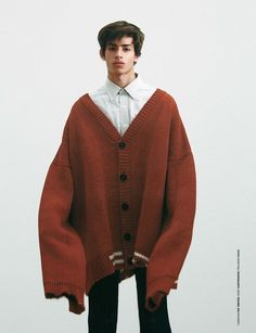 Raf Simons via 💛 Moda Oversize, Men Street, Street Wear, Mode Editorials, Mens Fashion, Fashion Outfits, Fashion Tips, Raf Simons, Looks Cool