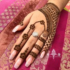 Best Mehndi Design Easy and Beautiful For Woman Easy to Draw. new best collection henna design for woman with easy and beautiful pattern to draw Dulhan Mehndi Designs, Ring Mehndi Design, Mehendi, Mehndi Designs For Girls, Mehndi Designs For Beginners, Modern Mehndi Designs, Mehndi Design Photos, Beautiful Henna Designs, Latest Mehndi Designs