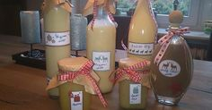 Marzipan liqueur from A Thermomix ® recipe from the drinks category www.de, the Thermomix ® community. Halloween Bottle Labels, Halloween Party Drinks, Party Food And Drinks, Wine Drinks, Veggie Juice, Homemade Wine, Vegetable Drinks, Healthy Eating Tips, Sauce Bottle