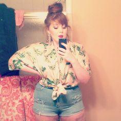 curvily:  romantickissing:  instagram: acbehling  Retro. Plus size fashion #plussize #curvy #selfie