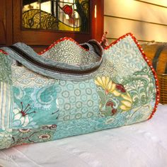 Patchwork beach bag using 5 inch charm squares | Sewn Up by TeresaDownUnder.  Yoga mat bag?