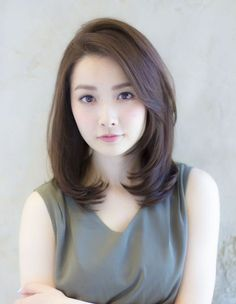 17 Peachy Korean Hairstyles Women Shoulder Length 30 Modern Asian Hairstyles For Women And Girls It's not a secret that Asian women are born with beautiful silky hair As a proof – these 30 marvelous A. Medium Hair Cuts, Short Hair Cuts, Medium Hair Styles, Curly Hair Styles, Hair Cuts Asian, Short Styles, Haircuts For Fine Hair, Girl Haircuts, Korean Hairstyles Women