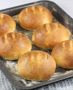 jogurcie Bułki na jogurcie. Wheat rolls on yogurt.Bułki na jogurcie. Wheat rolls on yogurt.na jogurcie Bułki na jogurcie. Wheat rolls on yogurt.Bułki na jogurcie. Wheat rolls on yogurt. Healthy Bread Recipes, Baby Food Recipes, Cookie Recipes, Bread Bun, Bread Rolls, Polish Recipes, Tea Cakes, Dinner Rolls, No Bake Cake
